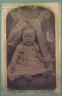 Baby picture of Clara Lottie Hill